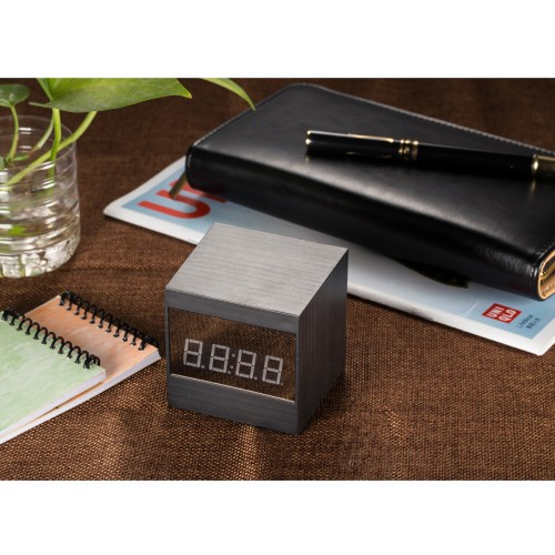Caméra d'horloge électronique réseau A10-1WIFI vidéo à un bouton chargement simultané de la vidéo vision nocturne super
