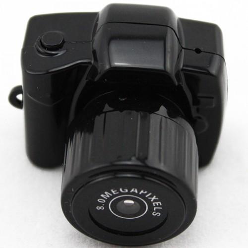 La Y3000 mini caméra qui peut être placée dans la paume de votre main